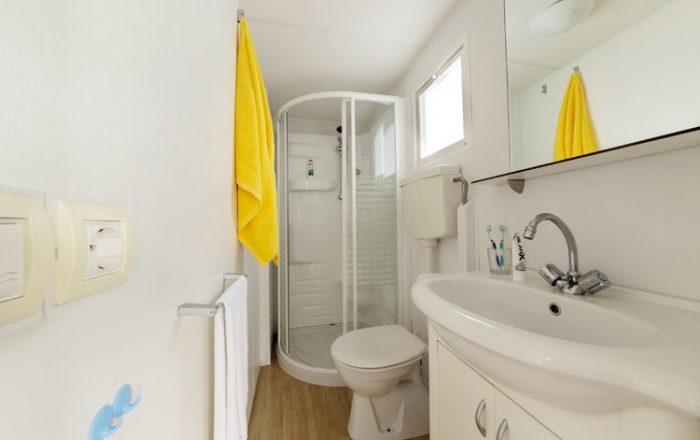 Adria plus bathroom