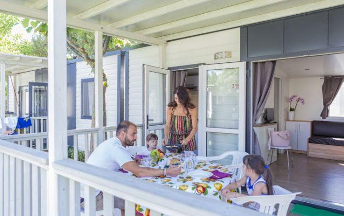 Buiten veranda Adria XLine