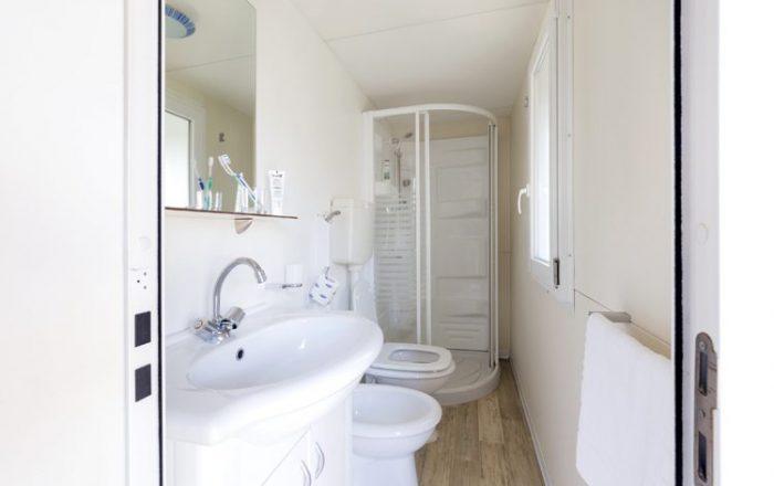 Italia plus bathroom