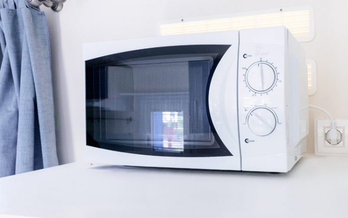 Italia plus microwave oven